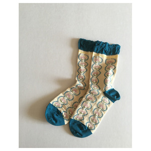 Azami socks-white