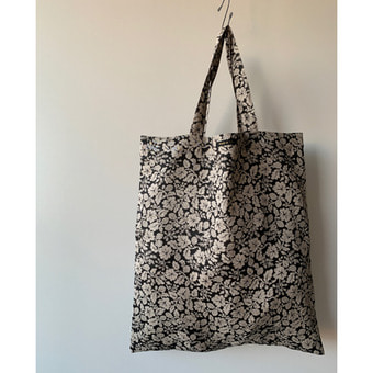 R&D.M.Co-  wildberry linen tote bag