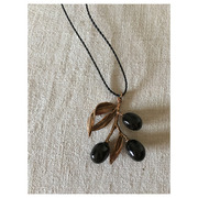 hand made necklace olives(black)